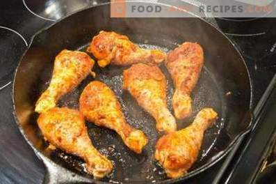 Kip-drumsticks in een pan