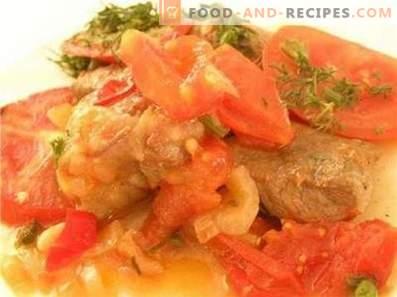 Varkensvlees gestoofd met tomaten en uien