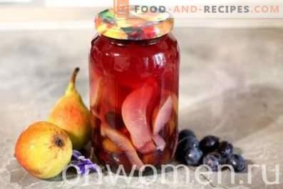 Compote van peren en pruimen voor de winter