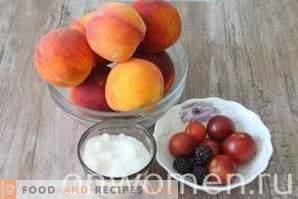 Perziken op siroop voor de winter
