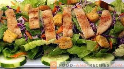 Een Caesar-salade bereiden