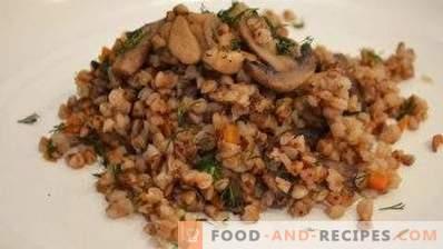 Boekweit met champignons en uien en wortels