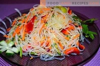 Salades met kip en funchoz