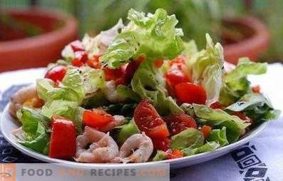 Salades met zeecocktail