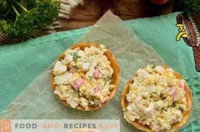 Taartjes met krabsticks, kaas en eieren