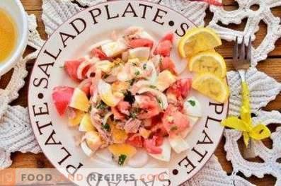 Salades met ingeblikte tonijn