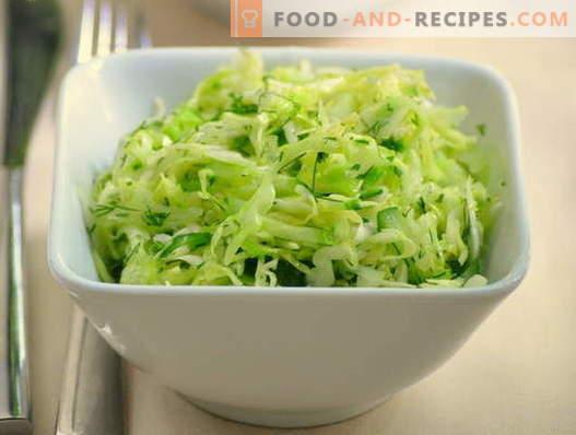 Salade van kool en komkommer - vijf beste recepten. Hoe goed en smakelijk koken salades met kool en komkommers.